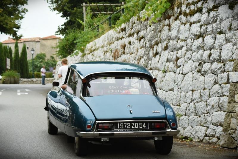 Auto en la Costa Azul